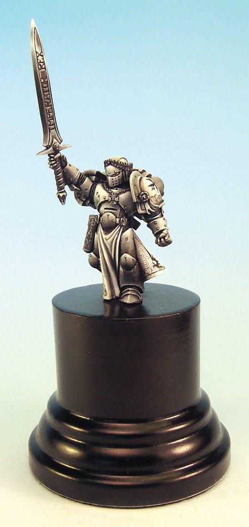 Warhammer 40K (figurines diverses trouvées sur internet! ) Champion_empereur1